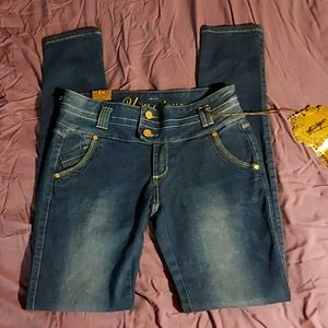 Younique skinny stretch jeans size 9/10 Nwt
